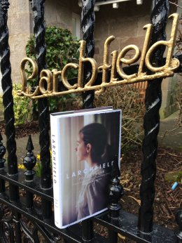 Larchfield_gate